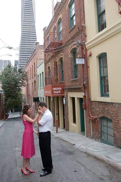 Alleyway engagement portrait in San Francisco
