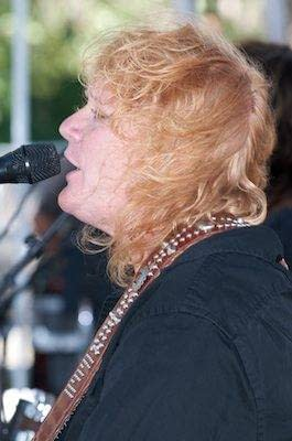 Indigo Girls in Concert - Oakland - Art and Soul Festival - Oakland Photography