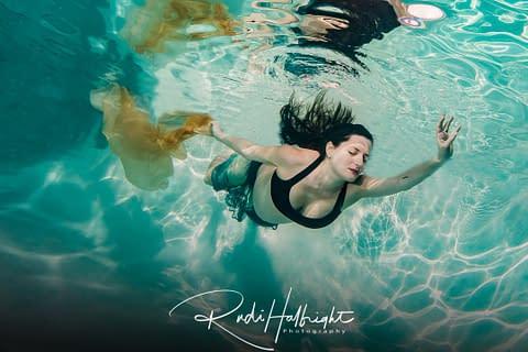 Underwater Maternity Portrait in Tarzana, CA, pool